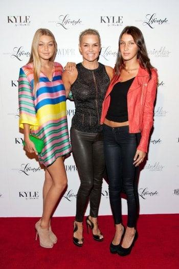 Gigi, Yolanda e Bella Hadid nel 2012