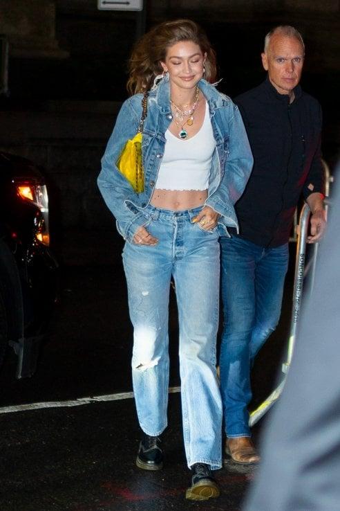 Le star arrivano in jeans alla festa di compleanno di Gigi Hadid