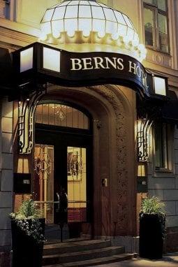 L'hotel Berns, nel suo café si va anche solo per un drink dopo cena