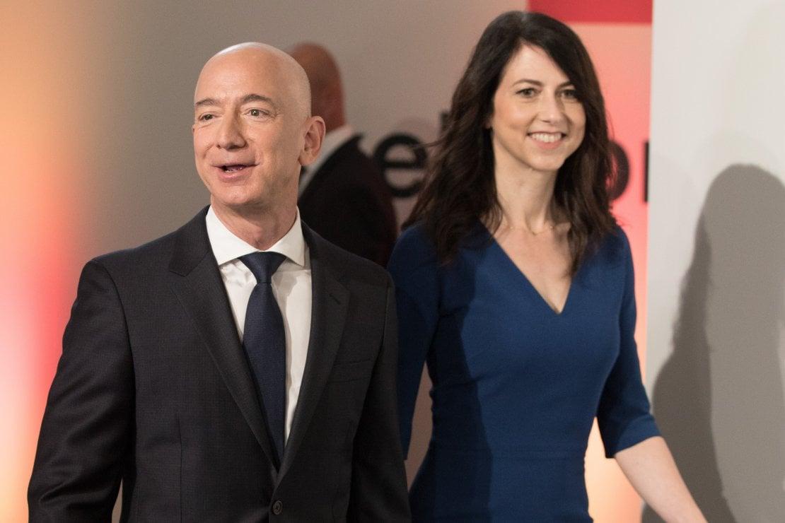 Il fondatore di Amazon Jeff Bezos e sua moglie MacKenzie Bezos, 2018; i due si sono separati nell'aprile 2019, e lei ne è uscita diventando la quarta donna più ricca del mondo