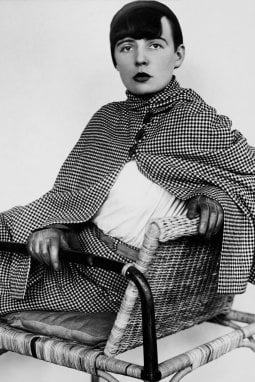 La fotografa e la designer: Elisabeth Kadow ritrattada Annelise Kretschmer, 1929