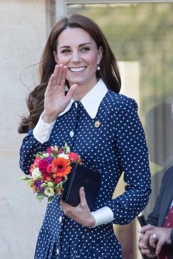 ''Louis ci tiene sulle spine'' rivela Kate Middleton. E poi si reca con William e i principini a conoscere Baby Archie
