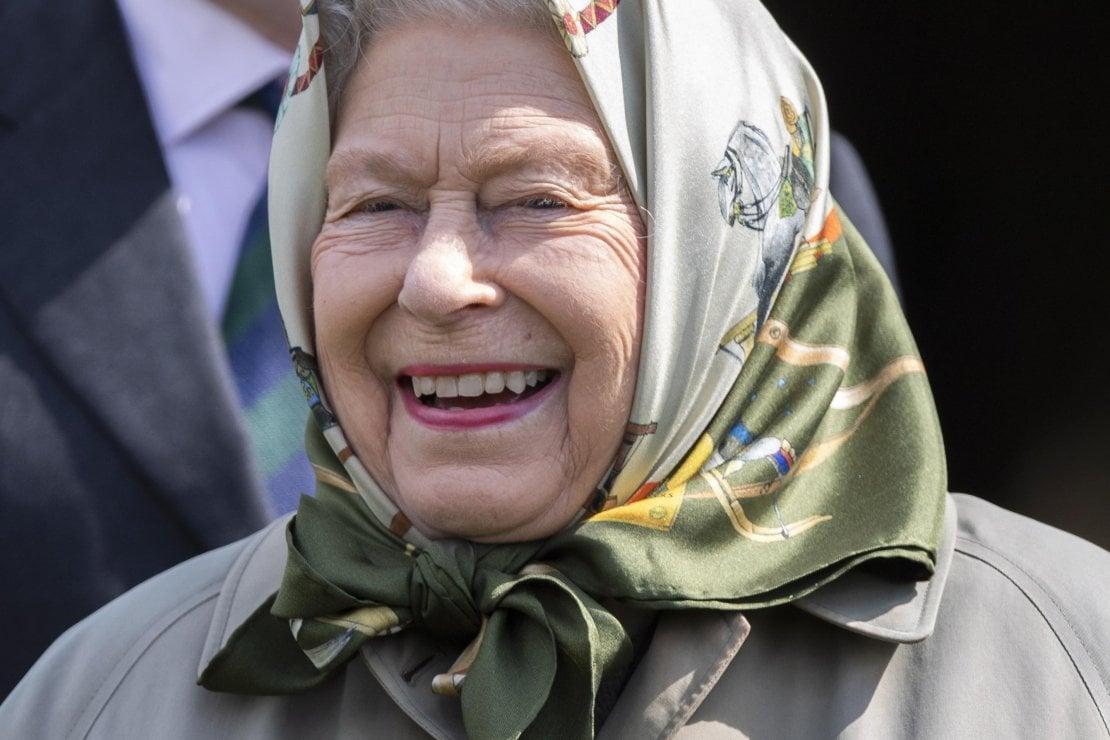 AAA cercasi social media manager per la regina Elisabetta