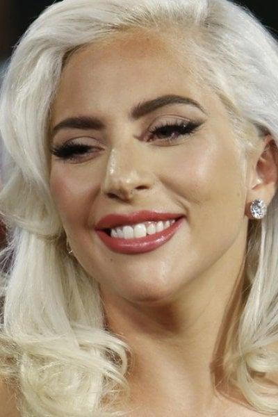 Lady Gaga vi sta cercando: aperte le selezioni per il suo primo negozio ufficiale