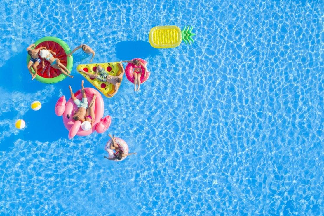 Cosa ci piace questa settimana: il mood piscina