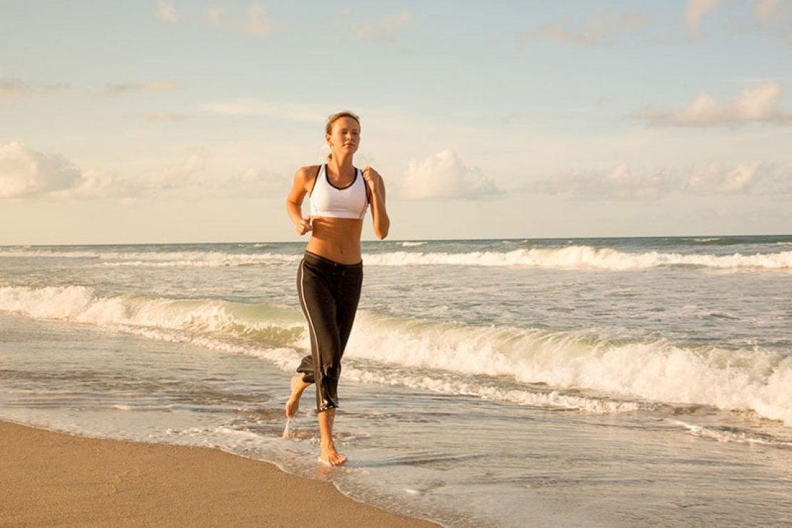 Fit beach: 5 attività brucia grassi da praticare in spiaggia