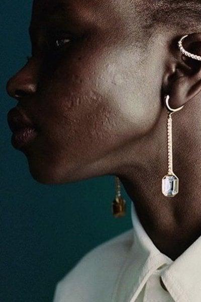 Aweng Mayen Chuol: la modella scelta da Rihanna per la campagna di Fenty mostra le cicatrici sul volto