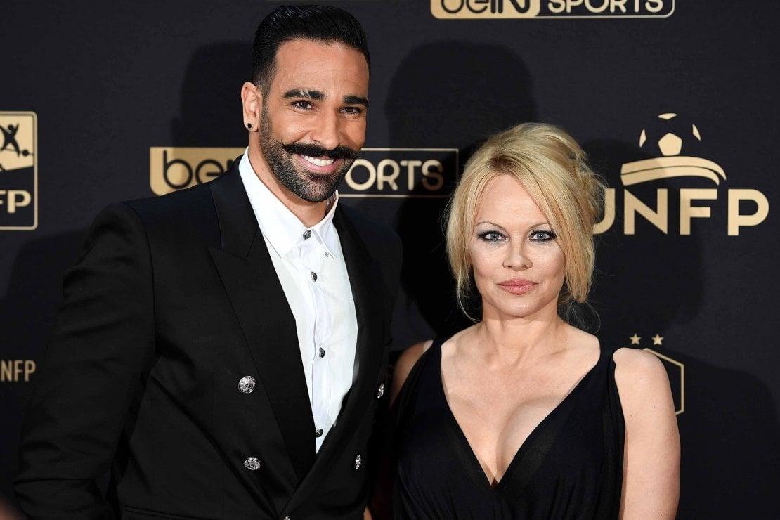 Pamela Anderson tradita da Adil Rami, ex calciatore del Milan: ''Gli ultimi due anni della mia vita sono stati una grossa bugia''