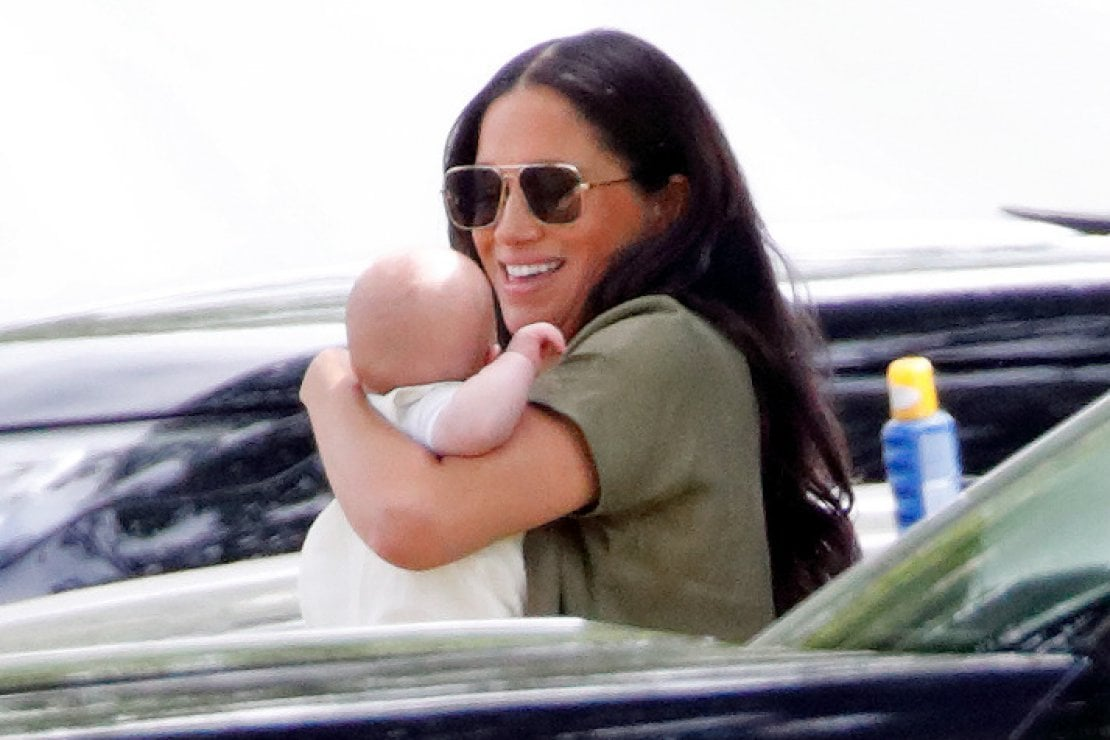 Meghan Markle: basta una crema da sole per proteggere Baby Archie? I consigli del dermatologo