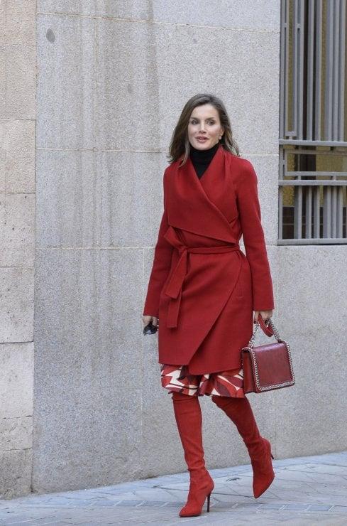A lezioni da Letizia di Spagna: per vestire da regina basta