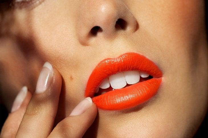 I rossetti e i gloss che esaltano l'abbronzatura