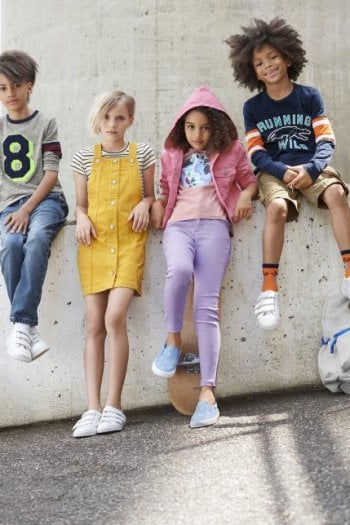 Qual è l'abbigliamento corretto per la scuola? Moda D.it