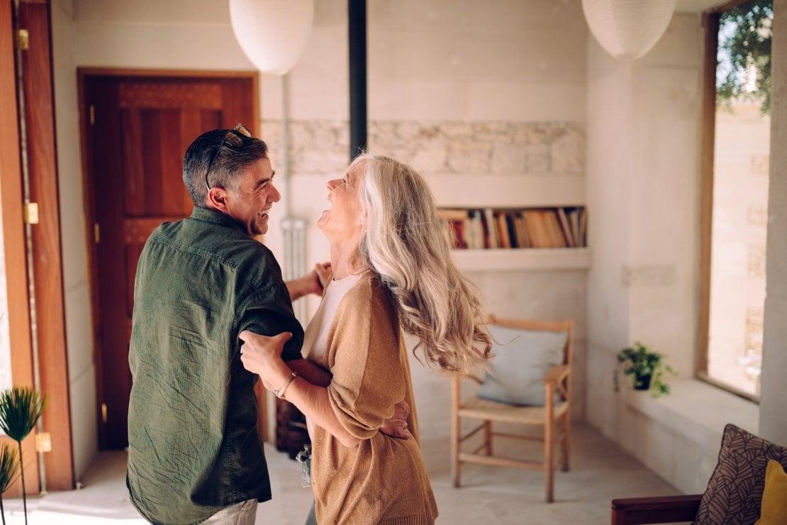 Innamorarsi a 60 anni e più: così il romanzo di Elena Vestri definisce il genere ''old adults''