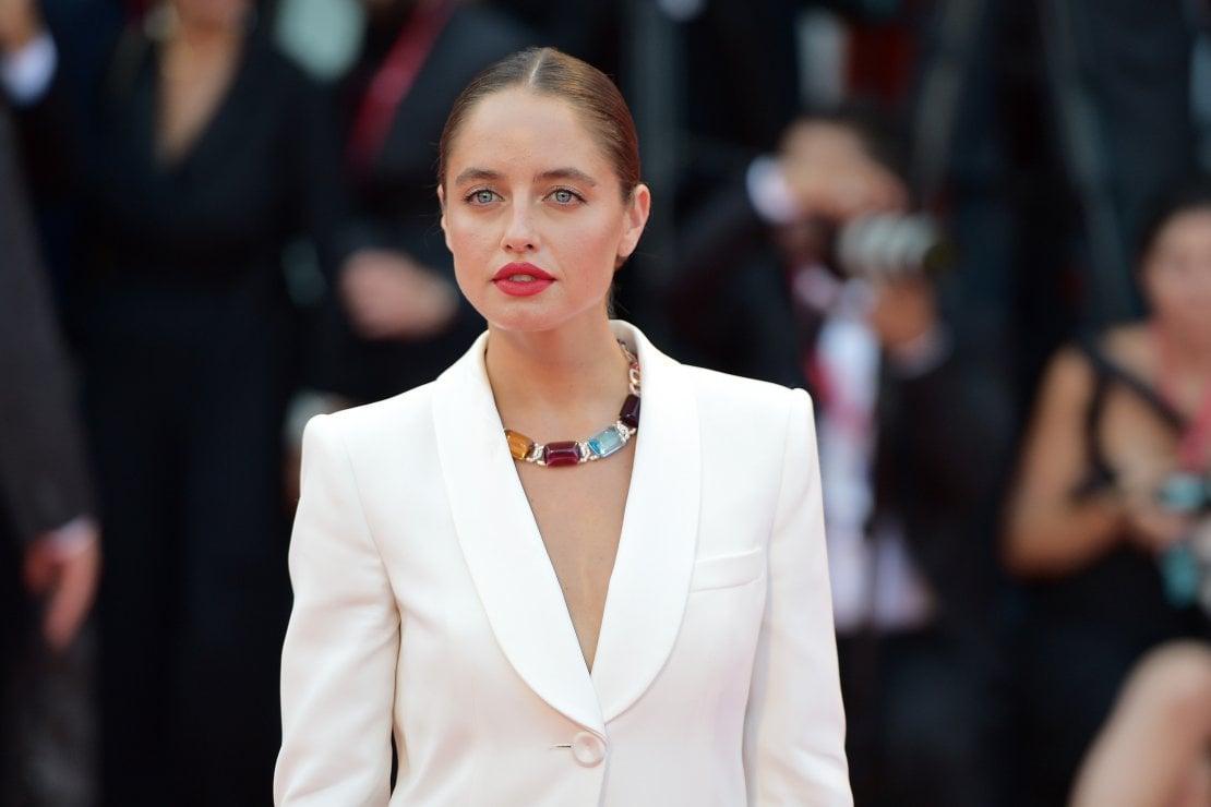 """Matilde Gioli: """"La bellezza? Per me uno chignon e il rossetto rosso"""""""