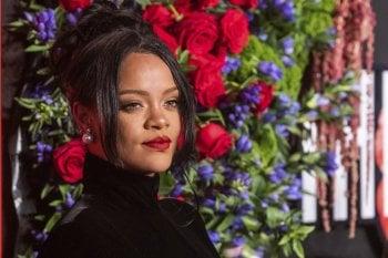 Rihanna, Cardi B e le altre star al Diamond Ball di New York