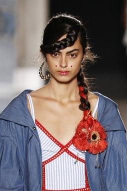 Il trucco per Stella Jean, ispirato alla popolazione Kalash