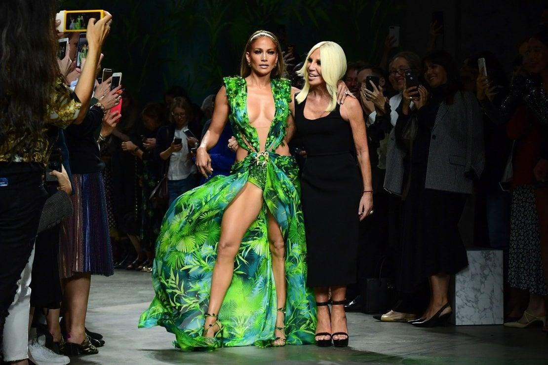 Versace e JLo regine del web
