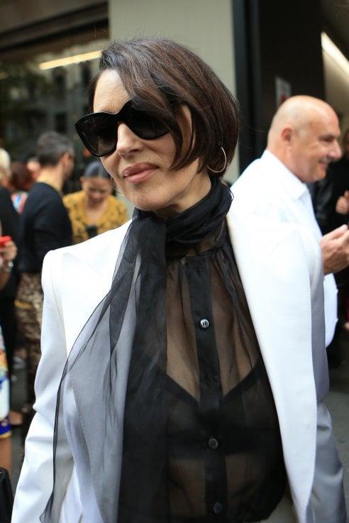 Caschetto e charme: il nuovo taglio di Monica Bellucci