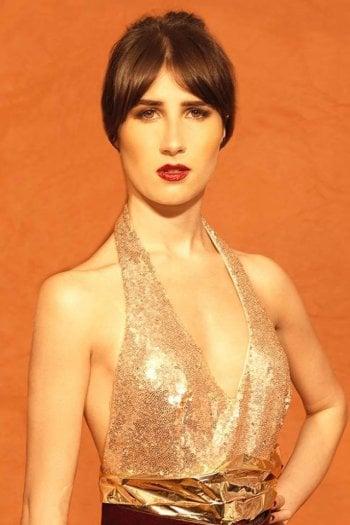 Marie, l'attrice che è entrata nella sfilata Chanel: ''Un giorno senza il sorriso è un giorno perso''