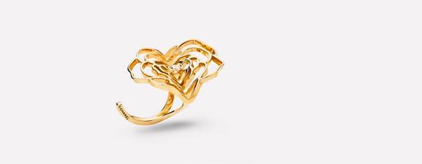 Anello a fiore con diamante al centro, Dior Joaillerie
