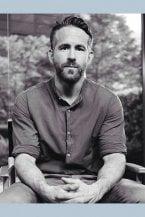 Ryan Reynolds compie 43 anni e diventa papà per la terza volta: tanti auguri al 'supereroe' di Blake Lively