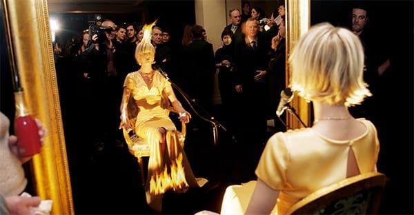Chanel Fine Jewelry, installazione Les 5 Éléments, Le Feu. In collaborazione con Pierrick Sorrin, Parigi, 2001