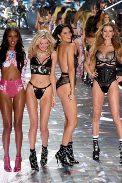 Ora è ufficiale: Victoria's Secret cancella lo show natalizio. ''Vogliamo che il nostro messaggio si evolva''