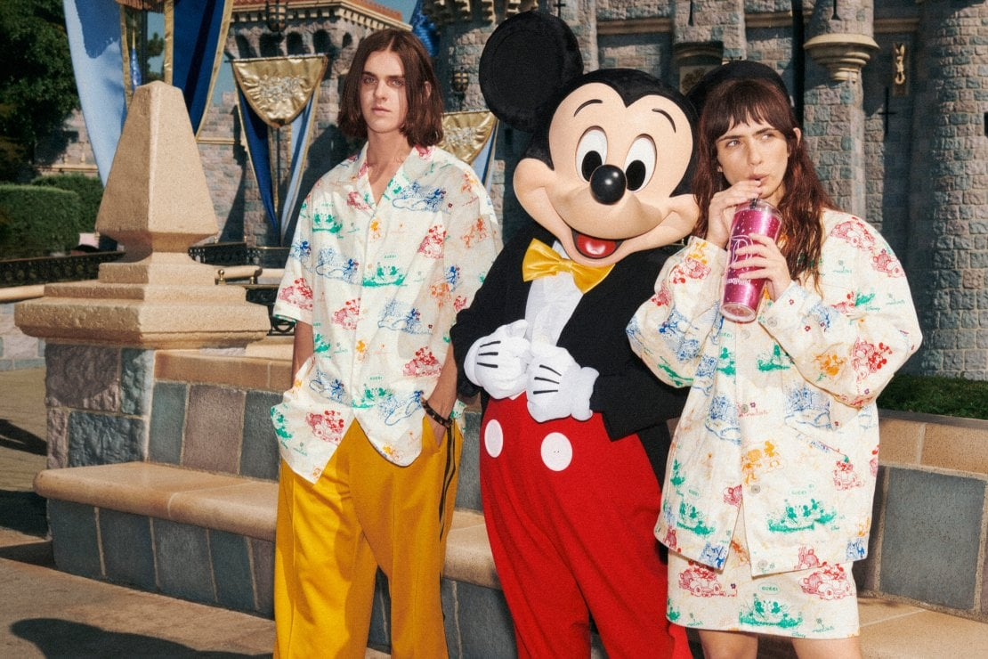 Un'immagine della campagna Gucci con la capsule dedicata al Capodanno cineseDirettore Creativo: Alessandro Michele,  Art Director: Christopher Simmonds, Fotografia: Harmony Korine,Hair Stylist: Alex Brownsell, Make Up: Thomas De Kluyver, Styling: Alessandro Michele, Location: Disneyland Resort in California, Make up per Ni Ni: Gao Jian