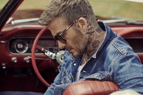 David Beckham mette la firma su una collezione di occhiali