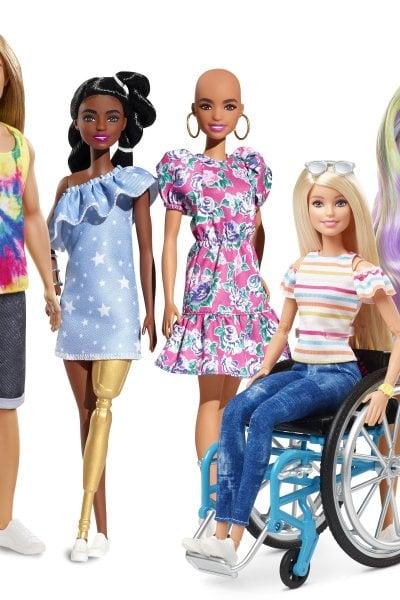 Barbie calva, con protesi, con vitiligine: fino a dove può arrivare l'inclusività?