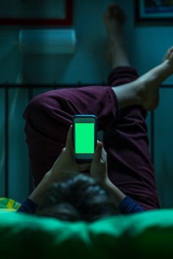 Adolescenti e dipendenza da smartphone: arriva in aiuto il cyberpsicologo