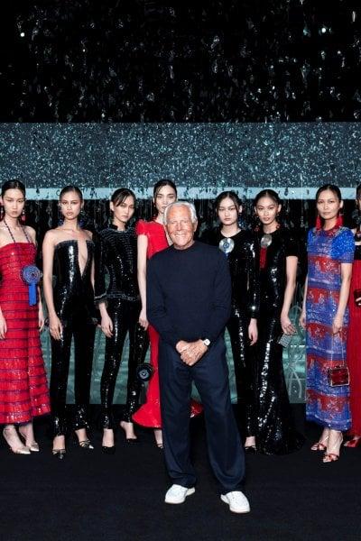 L'omaggio alla Cina di Giorgio Armani nella sfilata a porte chiuse