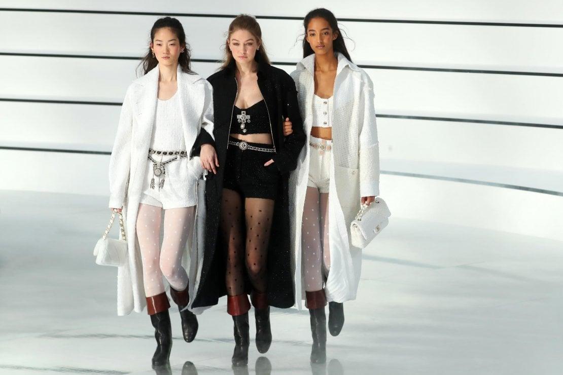 Chanel, l'effortless chic tra storia e anni 80