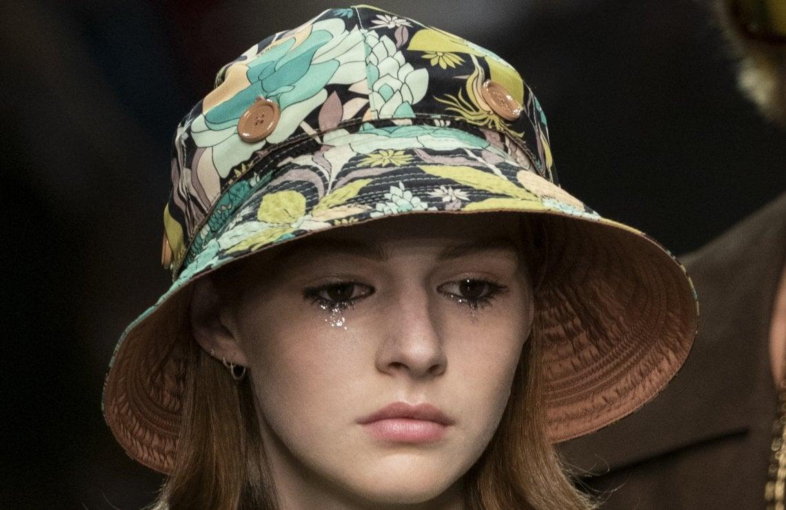 I cappelli da pioggia si portano anche con il sole - Moda ...