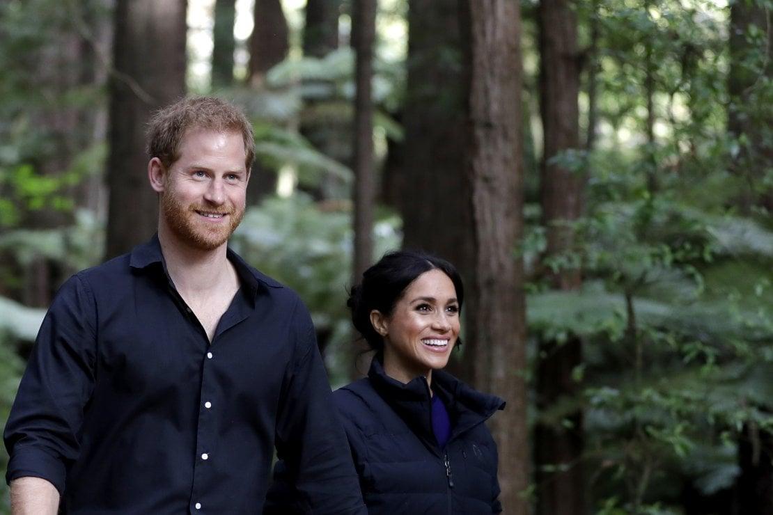Meghan Markle, che vieta ad Harry di tornare a Londra per vedere il principe Carlo