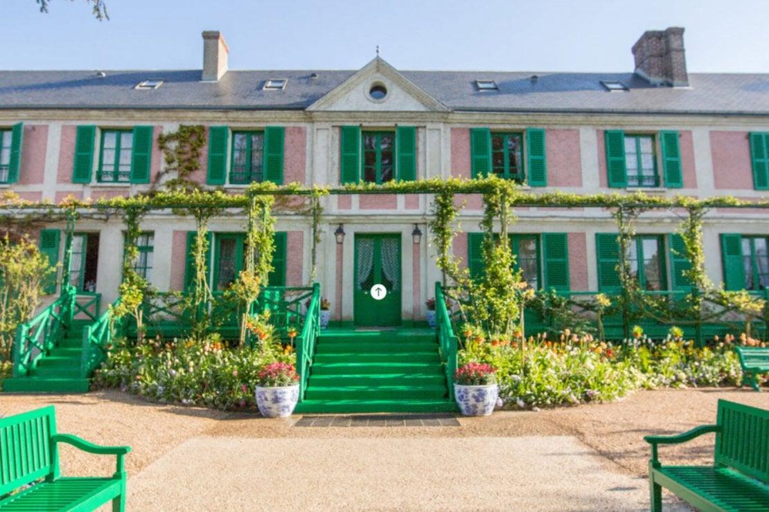 Dentro la casa di Monet a Giverny, il tour virtuale nel suo regno colorato