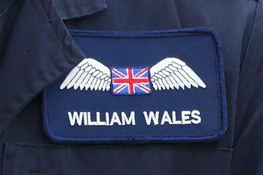 La divisa da operatore dell'ambulanza aerea di William