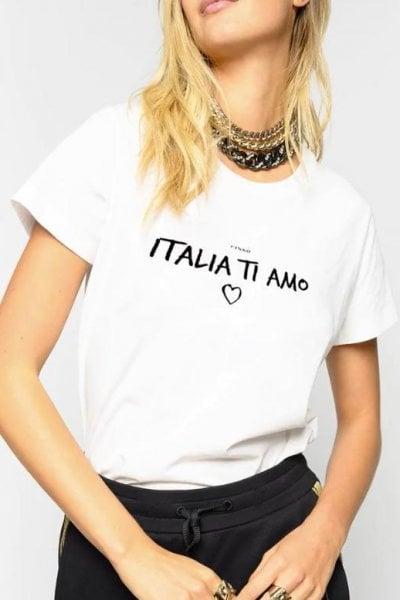''Italia ti amo'': la t-shirt di Pinko per donare test sierologici per il coronavirus