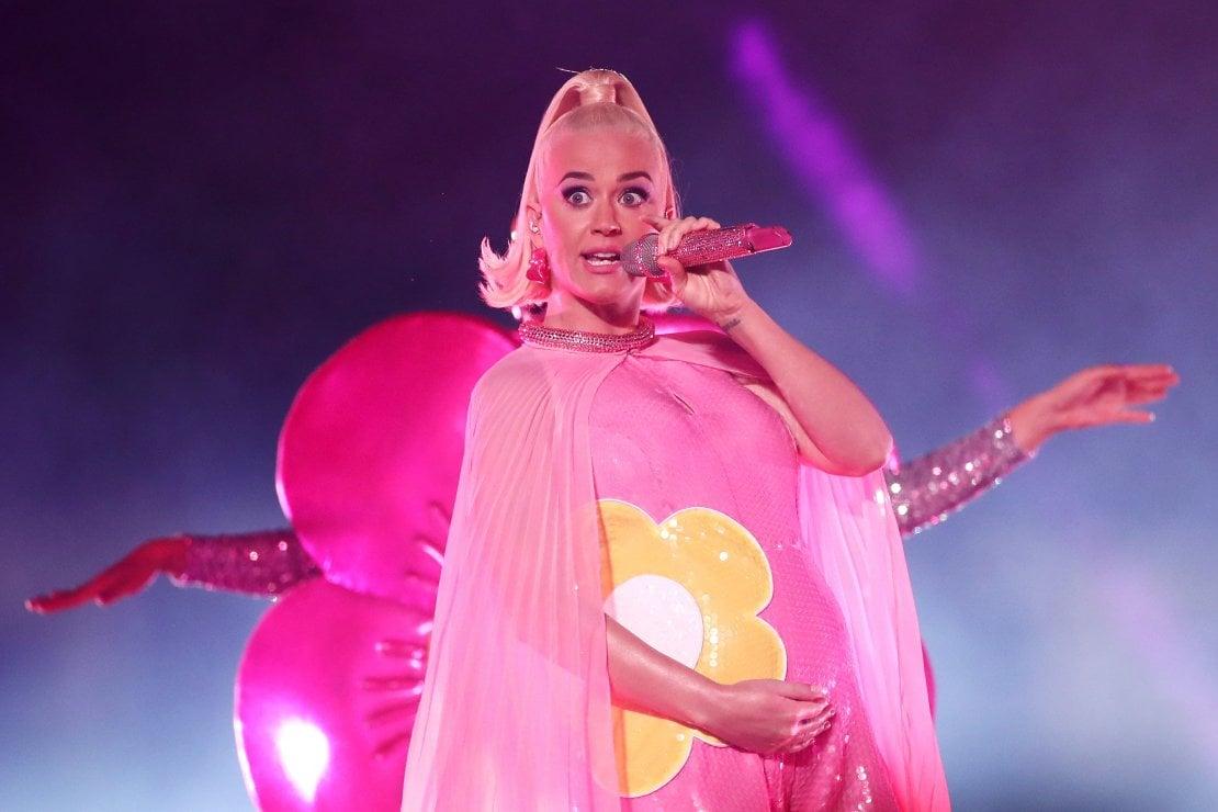 """Katy Perry e Orlando Bloom: """"È una femmina"""". E la vestirà Jeremy Scott"""