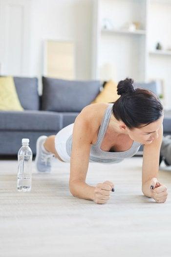 Tonificare I Muscoli Con Esercizi Per Addominali Gambe Braccia Da Eseguire A Casa Beauty D It Repubblica