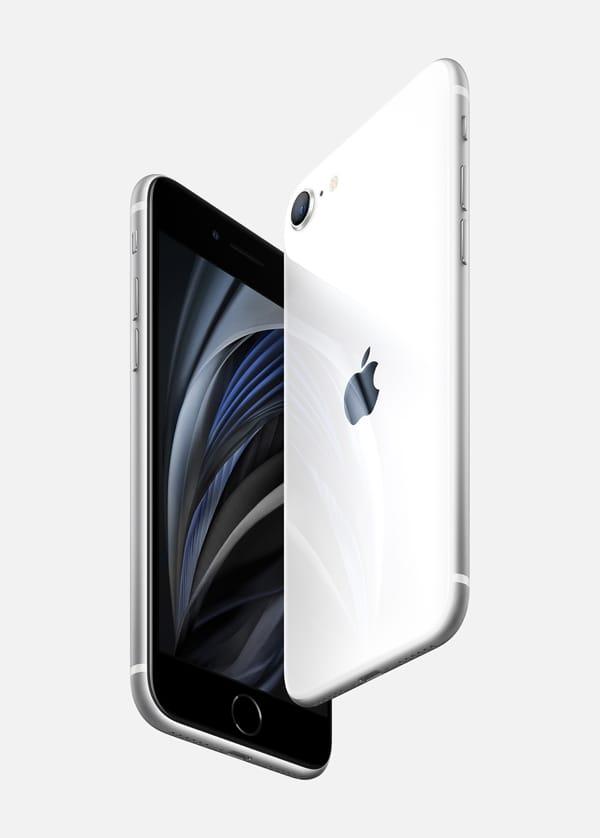 """iPhone SE ha un display Retina HD da 4,7"""" e la sicurezza evoluta del Touch ID. iPhone SE, un design compatto reinventato dentro e fuori ed è l'iPhone più conveniente, chip A13 Bionic sviluppato da Apple, più veloce, e il miglior sistema a singola fotocamera mai visto su un iPhone, che offre i vantaggi della fotografia computazionale come la modalità Ritratto; inoltre è progettato per non temere le intemperie grazie alla resistenza all'acqua e alla polvere, Apple"""