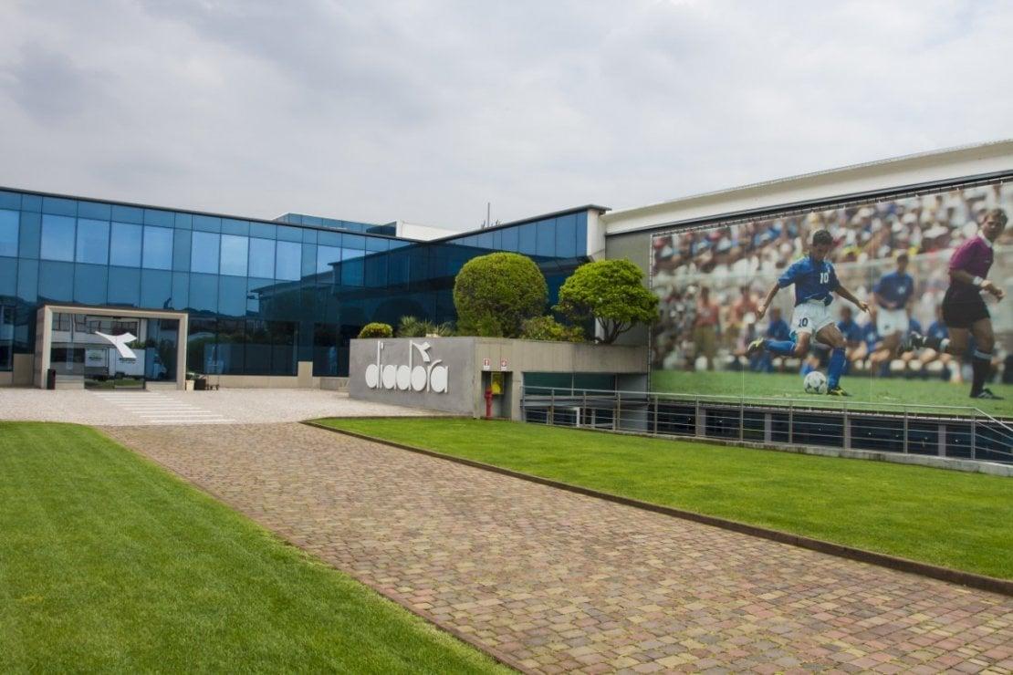 Il quartier generale di Diadora a Caerano di San Marco (TV) è alimentato per il 66 per cento da energia solare