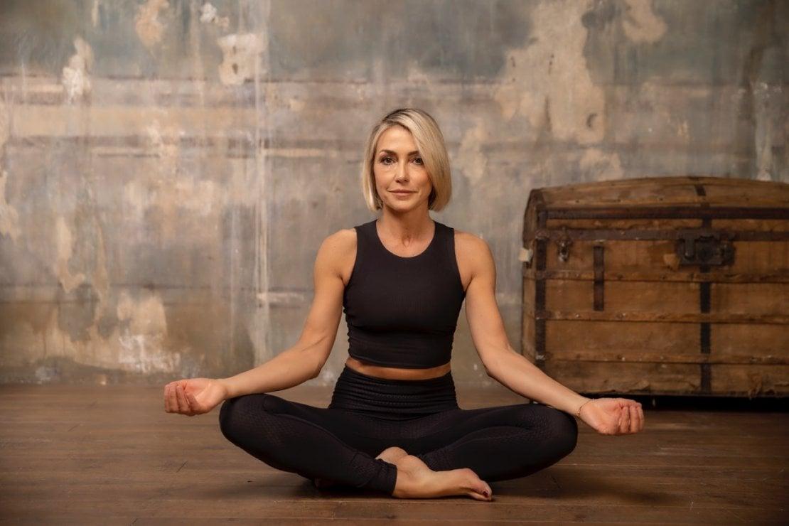 A lezione di yoga con Francesca Senette. Gratis, in diretta il 13 maggio sul nostro Instagram