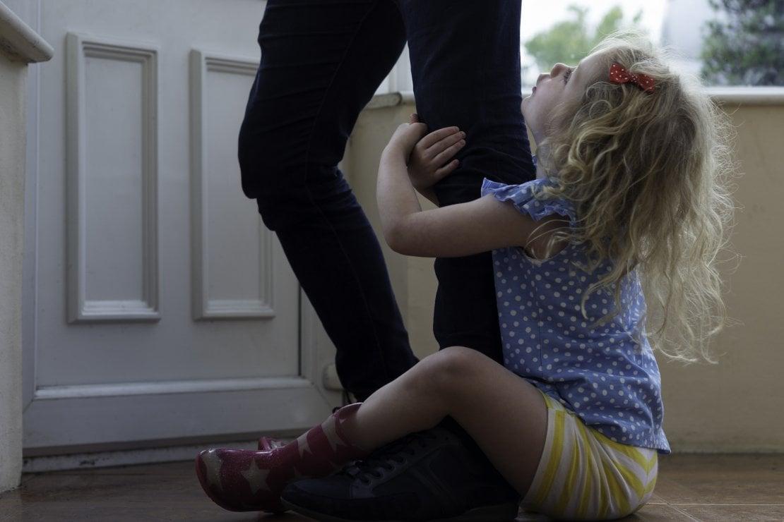 Tornare alla normalità può creare ansia da separazione nei bambini. E perfino negli animali