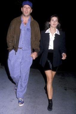 Demi Moore si racconta: amori, famiglia, alcol, droga e successo nell'autobiografia della star. E quel primo incontro con Bruce Willis