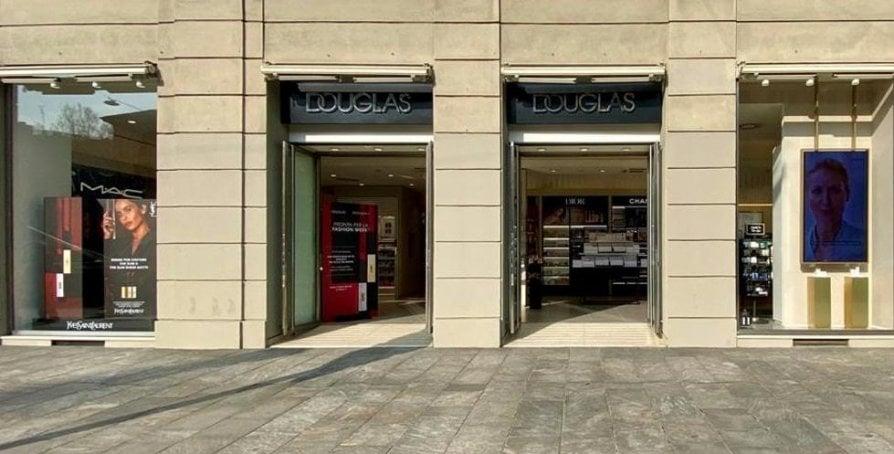 Douglas: in profumeria in tutta sicurezza. Quattro nuove modalità di vendita per garantire la salute di clienti e personale