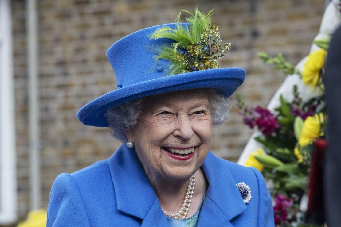 Perché gli italiani sono grati alla regina Elisabetta II
