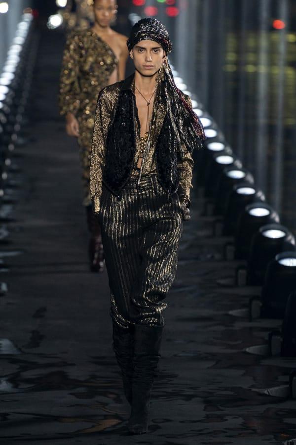 Look mood pirata sflata Yves Saint Laurent ss20