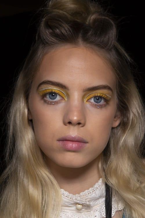 Make up occhi sui toni del giallo, Anna Sui