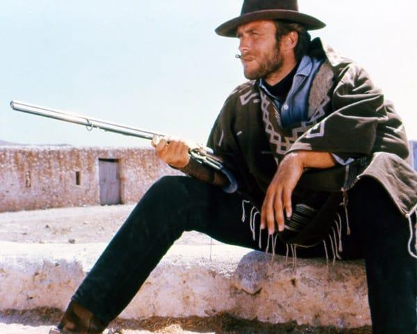 Il poncho di Clint Eastwood indossato dall'attore nella trilogia di Sergio Leone :